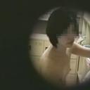 魅惑の穴!看護婦寮の脱衣所覗き 1