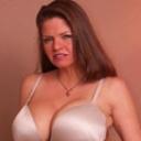 Big Tit MILFの画像