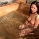 朝河蘭 誘惑温泉 ~男風呂なのに勝手に混浴する美女~