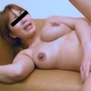 母乳を撒き散らす奥さんととことんヤりまくる - 宮田加奈子の画像