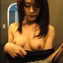 岡田瞳 人妻美乳の香