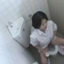 給食センターで働くおばちゃんの尿検査採取盗撮映像4