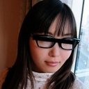 望月なつこ 真面目な学生メガネにおもいっきりぶっかけ!