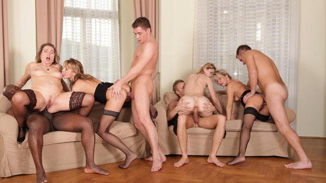 Amateur mature 3some wife vids