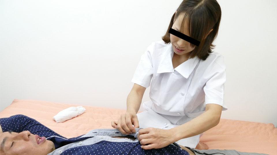 働く地方のお母さん 〜キツネ目の看護師編〜 藤堂結衣