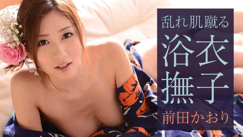 前田かおり 美人 美乳 痴女  ideapocketの赤白のレースクィーン服を着て