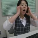 素人:美人OL限定デスク下の三角パンチラ 3【盗撮道】
