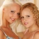 バネッサ:女同士の性愛 愛液が交じり合う女同士の激しい愛欲 Vanessa & Monica【Hey動画:金髪天國(金8天国)】