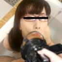 眼鏡をかけて気分は別人 〜何をされてもカメラ目線〜:パコパコママ:市井綾乃