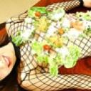 野菜と一緒に召し上がれ!超豪華な女体盛り!