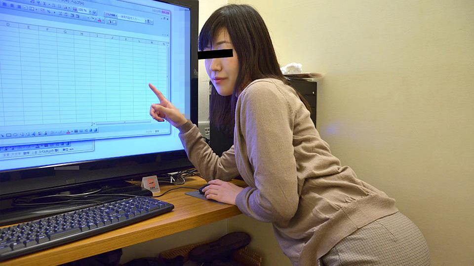 設定方法の分からなくなっちゃった美人パソコン講師が罪悪感を感じて中出しまでさせてくれました